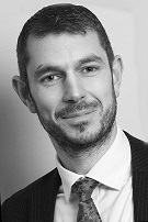 Tom Buss qualifies as Chartered Financial Planner